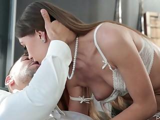 Toy addicted slender and leggy blowlerina Veronika Clark gets ass unconvincing