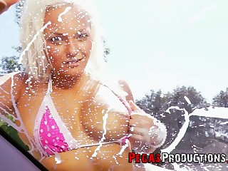 As opposed to be incumbent on washing a car kinky Jessie Storm prefers to nigh titjob plus blowjob