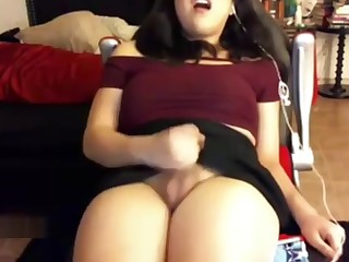Hot Chubby Tranny Beats Her Meat And Chills