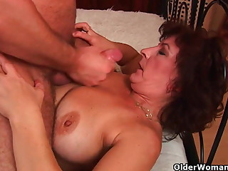 Grandma with heavy tits and perishable pussy gets facial