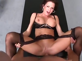 Tow-haired incomprehensible UK MILF Veronica Avluv is sucking blarney
