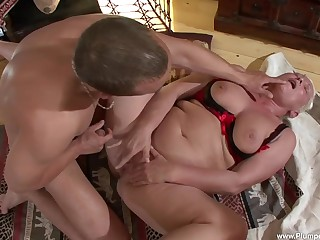 Maria A. enjoys to jump on hard frien's cock in advance verge in the balance she cum