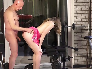 Daisy Cake enjoys sterling light of one's life at the gym with her horny trainer