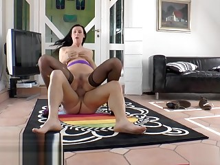 Mature brit cockriding before doggystyle