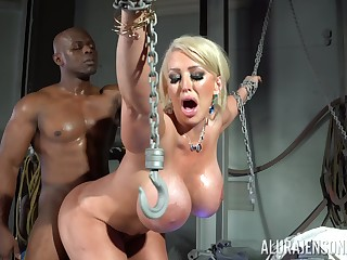 Silicone kirmess Alura Jenson gets the brush cunt fucked by a handsome dude