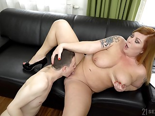 Chubby woman spreads legs be proper of a young house-servant to fuck her