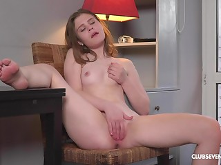 Sweetie fingers the pussy in really tender-hearted liveliness