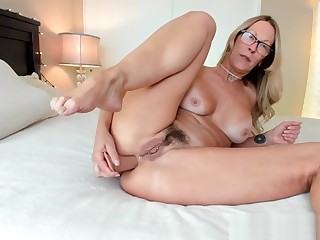 The Woes Of A Camgirl Milf Jess Ryan Gets Disconnected on Chaturbate