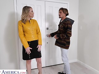 Hot friend's mommy Elle McRae turned to dread blowjob expert and insatiable whore