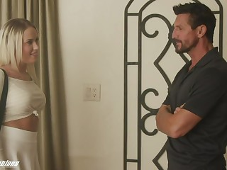 Tommy Gunn enjoys having it away young curvaceous woman Layla Adulate